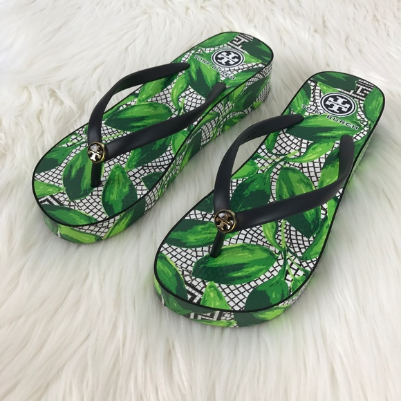 31bdab96b22b Tory Burch Thandie Green Leaf Wedge Flip Flops. M 59d5859ad14d7bba9f00b110