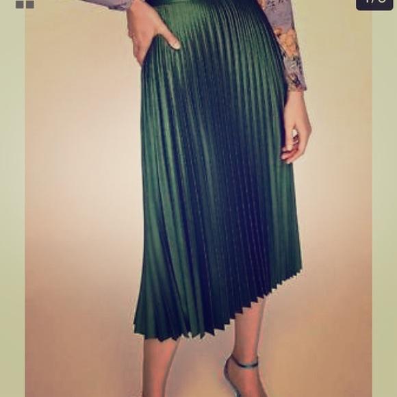 735b6ff4f1b Zara Skirts | Green Pleated Metallic Midi Skirt Size Xs | Poshmark