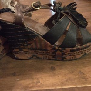 Brown Leather BKE Platform Sandals