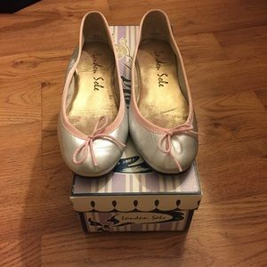 London Sole silver and pink balet flats
