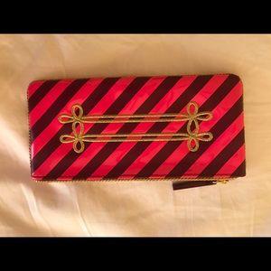 🔥 PRICE DROP MAC makeup bag Holiday collecT purse