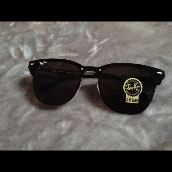 9b3f174ff3 New ray ban blaze black and silver clubmaster. M 59d5ab654225be208f00bcd8
