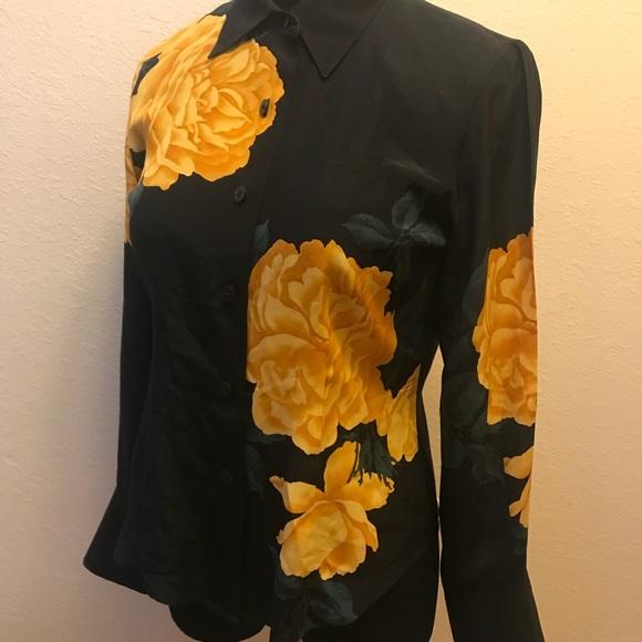 Vintage Tops - Beautiful vintage silk blouse