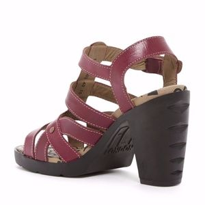 41906370d2cb Fly London Shoes - FLY LONDON MAYE STRAPPY SANDALS