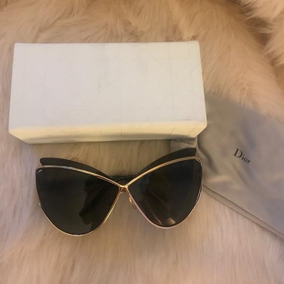 edf1b3b1d2c6 Christian Dior Accessories - Christian Dior Audacieuse sunglasses