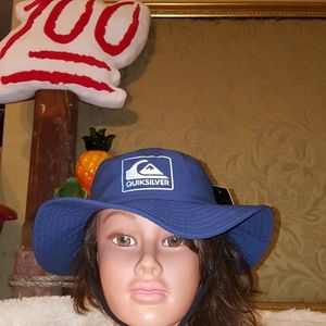 e8ebb45a3f9d1 Quiksilver Accessories - NWT Quiksilver Gelly Boy s Bucket Hat