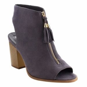 Shoes - ONE HOUR SALE!!! Sophie Peep Toe Booties