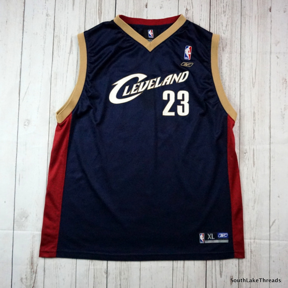 the best attitude b3979 3db8b CLEVELAND CAVALIERS LEBRON JAMES Youth XL Jersey