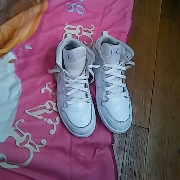 pretty nice da2d3 87eb5 Kids All White Jordans