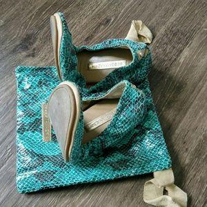 BCBG Foldable Leather Snakeskin Flats
