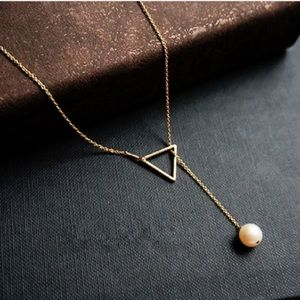 Jewelry - New Gorgeous triangle & pearl fully chain necklace
