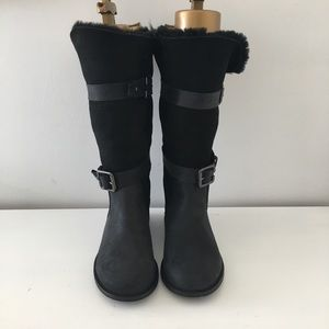 Emu sheepskin lined boots