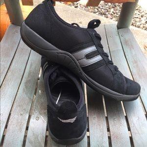Women's Dansko Black & Grey Sneakers Size 11/41