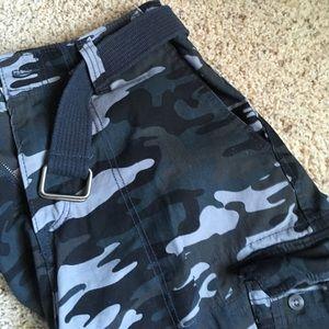 Men's cargo shorts...never worn