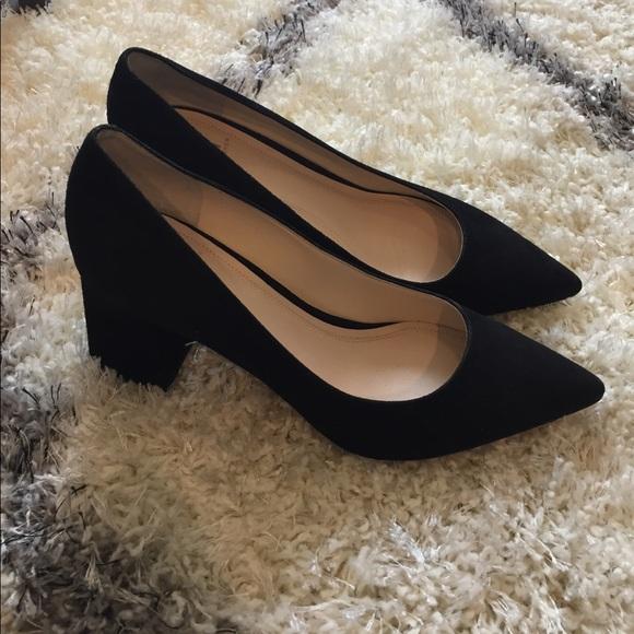 ebbf50db01c9 Marc Fisher Zala black suede pointed toe pumps. M 59d675d9eaf030c68602a5b7