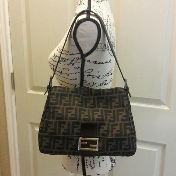 20347e3671a7 Fendi Handbags - 😍AUTHENTIC😍 VINTAGE FENDI Zucca shoulder bag
