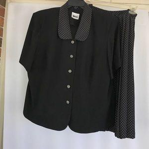 Ladies Leslie Fay skirt and jacket