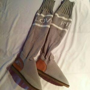 Shoes - NWOT Slipper Boots