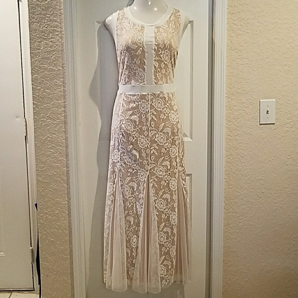 Lace floor length reception dress plus size 2X NWT