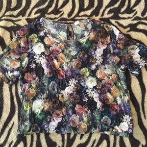 💐F21 Romantic floral crop silky tee