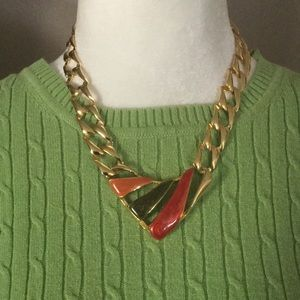 Jewelry - Classic accent necklace