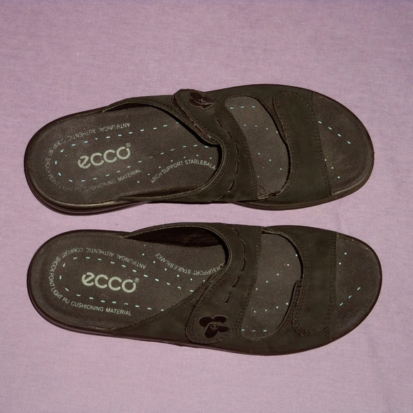 de6be3be0561 Ecco Shoes - Ecco black sandals slides sz EU 39