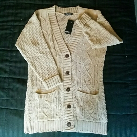Women s Chunky Cable Knit Cardigan (S M) 8ba1c1935