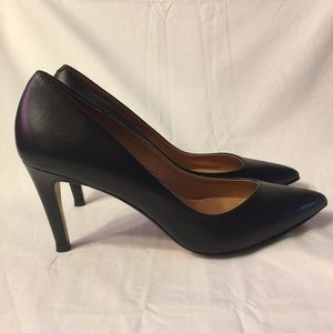 Halogen black leather pumps heels pointed toe 5.5M