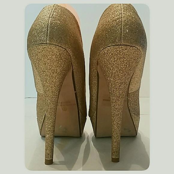 Shiekh Shoes - NWT's Gold Dust Platform Stiletto Pumps Size 9M