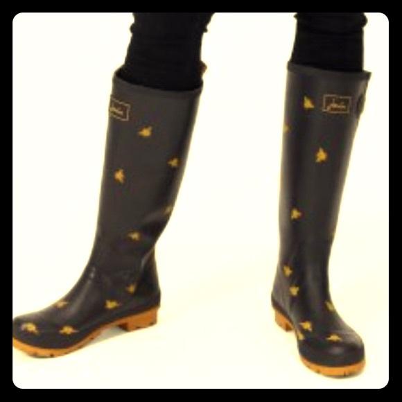 Black Bees Rain Boots Size
