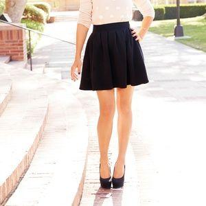 Lauren Conrad Black Pleated Mini Skirt