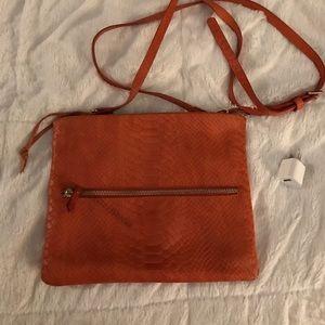 Cross body GiGi New York bag