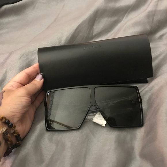 f13e82c8847 New Saint Laurent Betty Flat‑Top Square Sunglasses