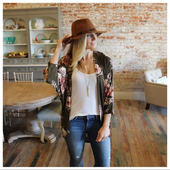 Sweaters - Olive Floral Print Cardigan