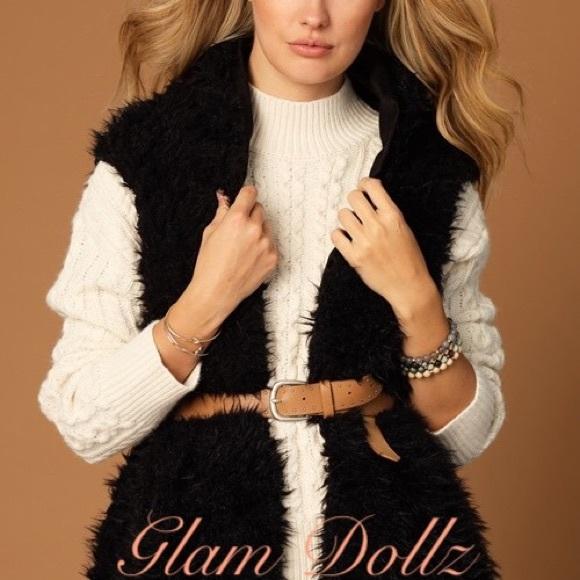 boutique Jackets & Blazers - Black faux fur vest