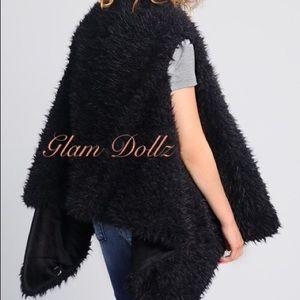 boutique Jackets & Coats - Black faux fur vest