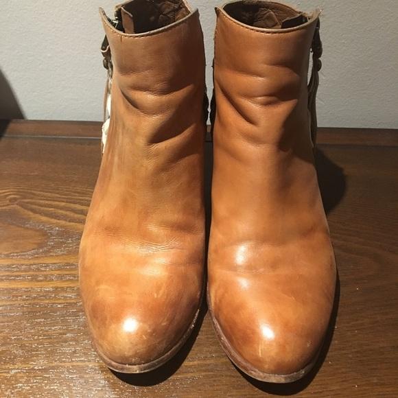 55221453e Sam Edelman Lucille studded leather Booties. M 59d6e88256b2d6d38600a8fd