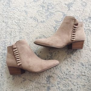 Shoes - 🎀 SALE Ruffle Ankle Boots
