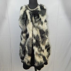 Almost Famous Faux Fur Vest size XL$11**