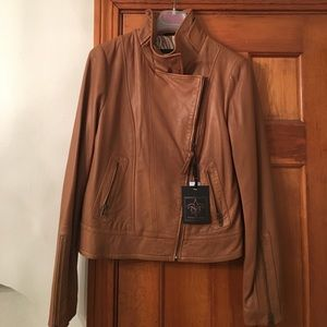 NWT Mackage Aritzia leather in Camel SZ Large