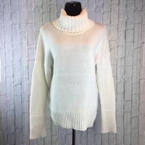 ✨GAP Chunky Cable Knit Sweater✨