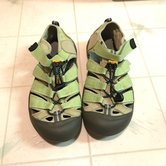 8534801915159 Keen Shoes | Size Youth 5 Womens Eur 38 | Poshmark