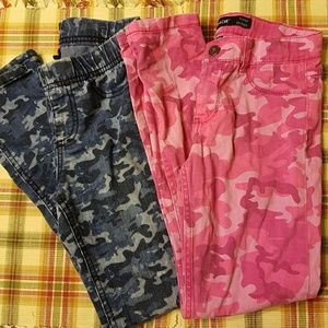 Two pairs camo skinny pants/jeggings