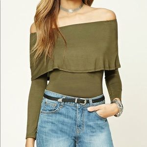 Tops - NWT OFF SHOULDER OLIVE DRAPE FITTED TOP BLOUSE M