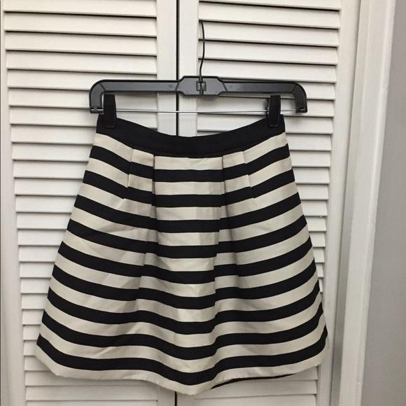 25e9091e0 H&M Dresses & Skirts - Black/White Striped Flared Mini Skirt