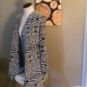 ⚪️⚫️ Tribal print soft open cardigan
