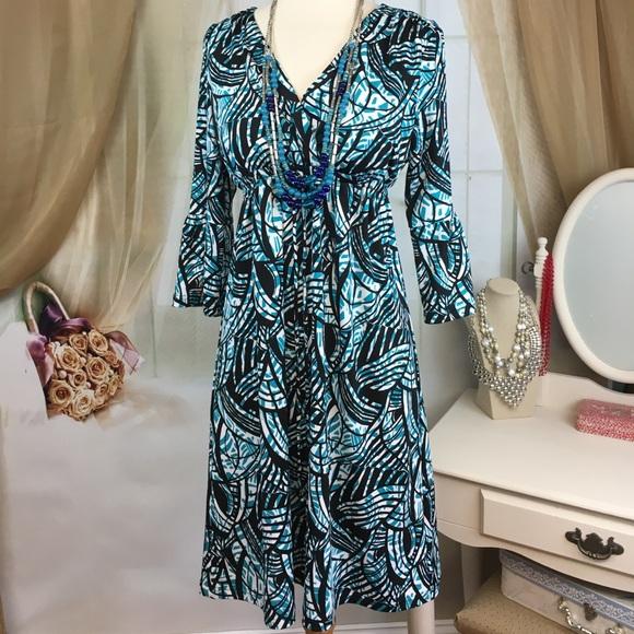 Karen Stevens Dresses & Skirts - Karen Stevens Bell Sleeved Dress