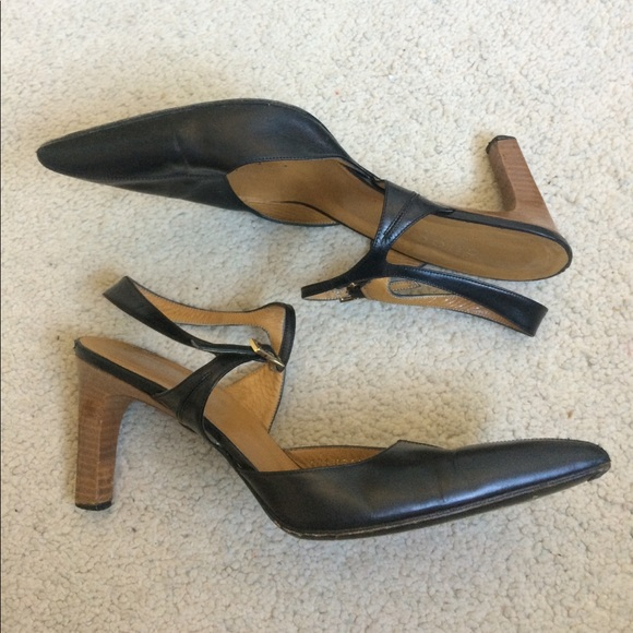 a71d45252afbd5 Gucci Shoes - Authentic Gucci Strappy Pointy Toe Leather Heels