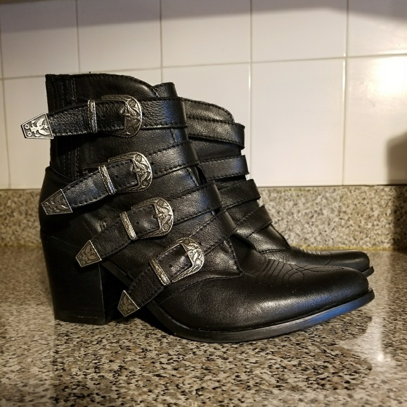21536a48347 Steve Madden Shoes - STEVE MADDEN PRAIRIE WESTERN 9.5  8 8.5  BOOTIES