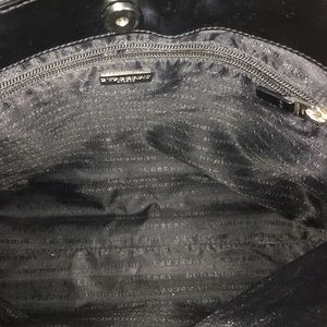 Burberry Bags - Gorgeous Women's burberry tote bag.